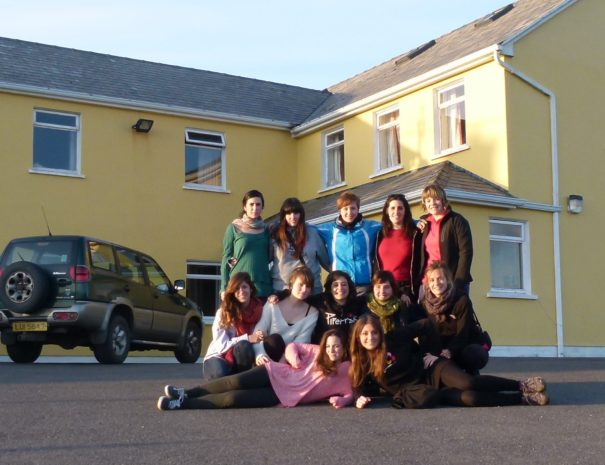 A group of 12 guests who stayed with us.